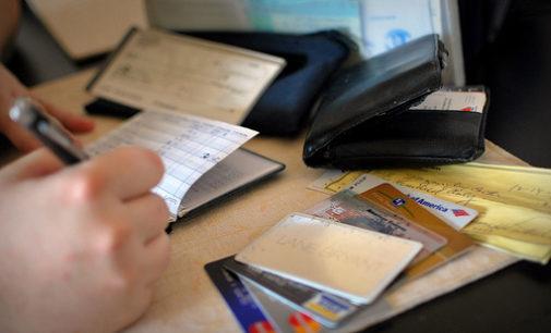 Geld lenen zonder bank: wat zijn de voor- en nadelen?